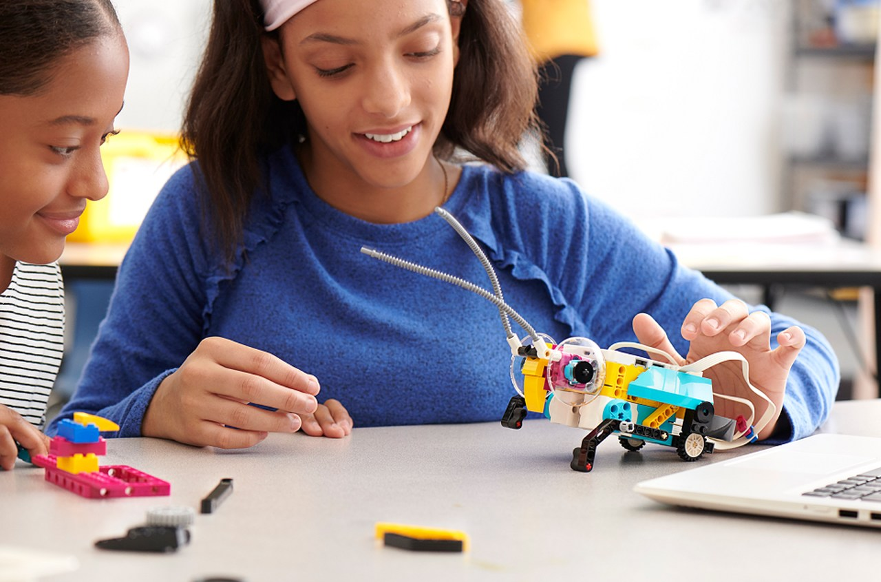 Lego spike Prime- praktyczne doświadczanie świata nauki